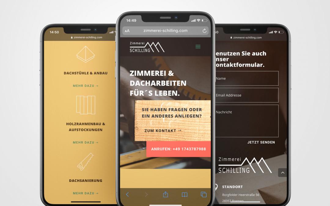Drei Smartphones zeigen Website